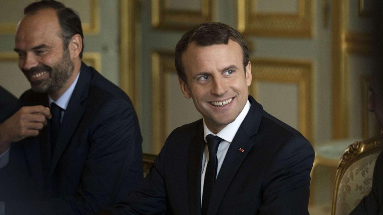 Le président de la République Emmanuel Macron, à droite, et le Premier ministre Edouard Philippe, à l'Elysée le 13juillet 2017.