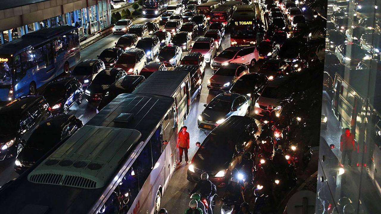 2149663_embouteillage-les-lecons-non-retenues-de-jakarta-web-tete-0301231575606.jpg