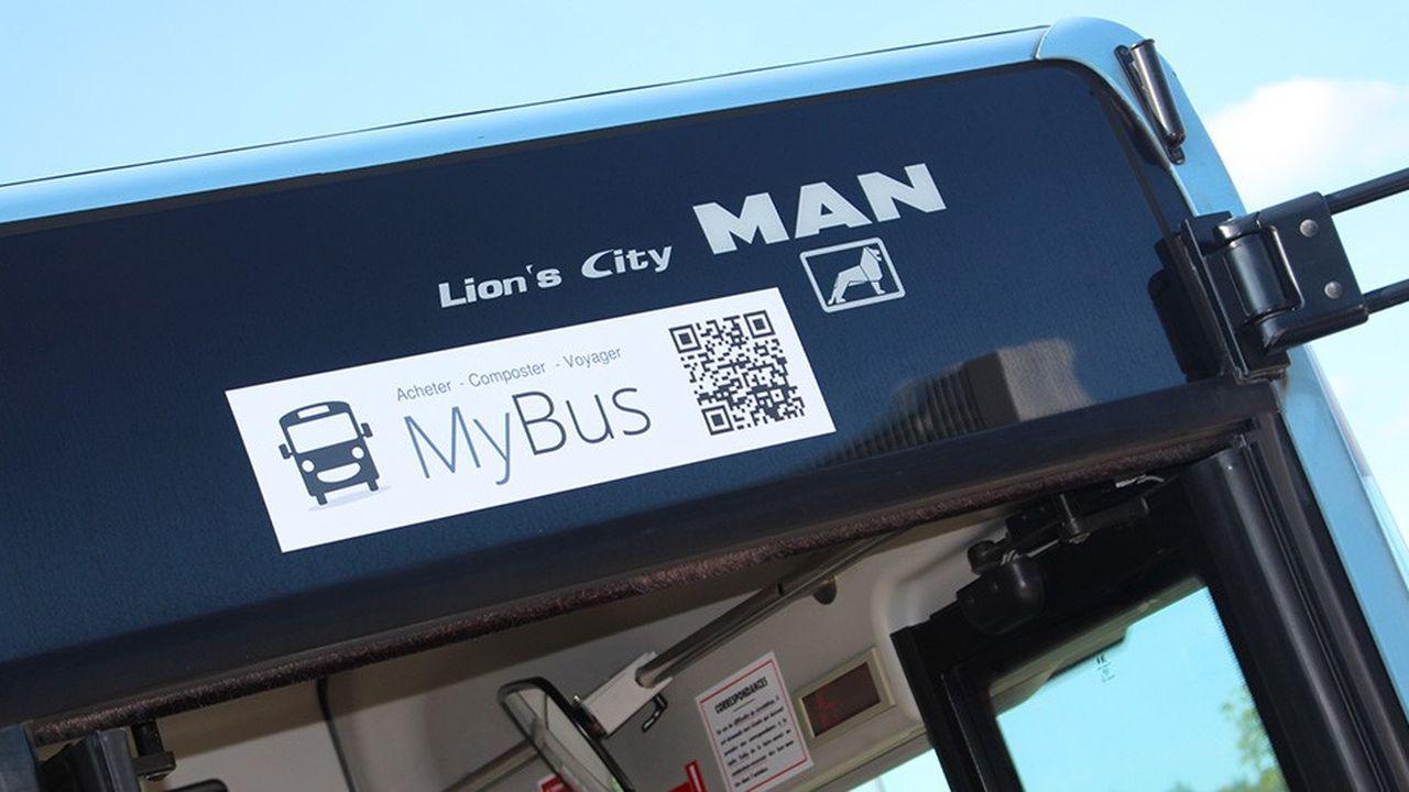 Positionné à différents endroits du véhicule, le QR code a l'avantage de pouvoir être flashé par plusieurs voyageurs à la fois.