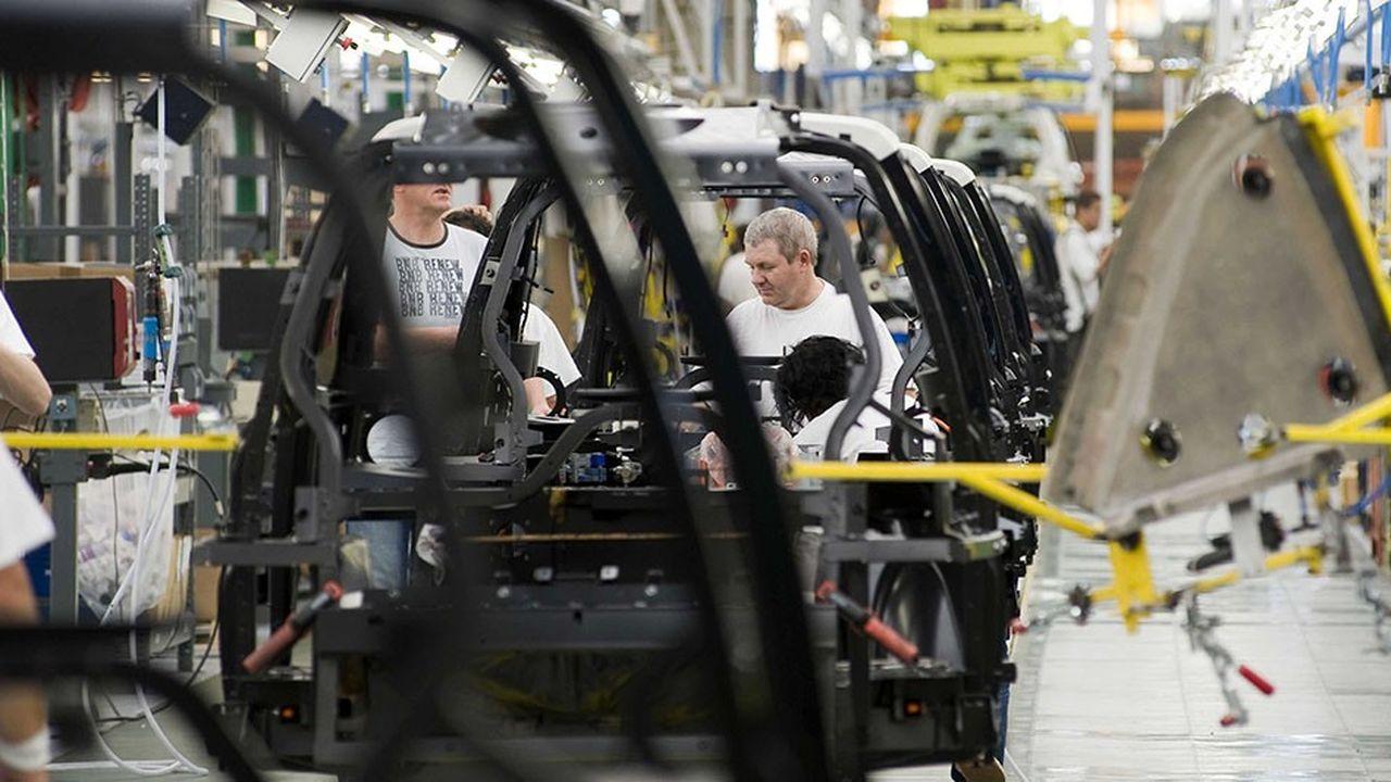 Les entreprises exploitent au maximum la force de travail et suppriment simplement les postes pourvus par les robots.