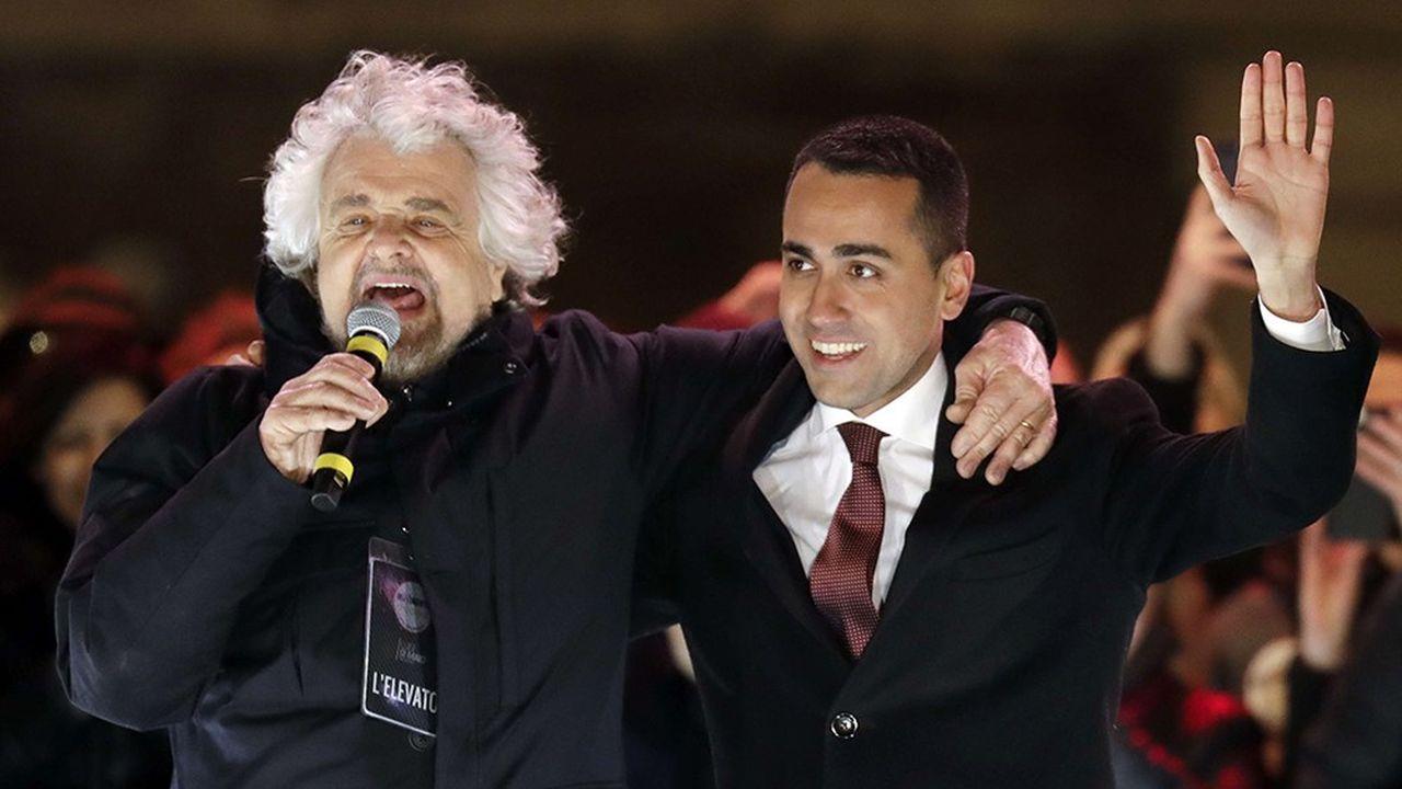 De gauche à droite, Beppe Grillo et Luigi di Maio du Mouvement cinq étoiles. Ce parti finit largement en tête des élections générales italiennes.