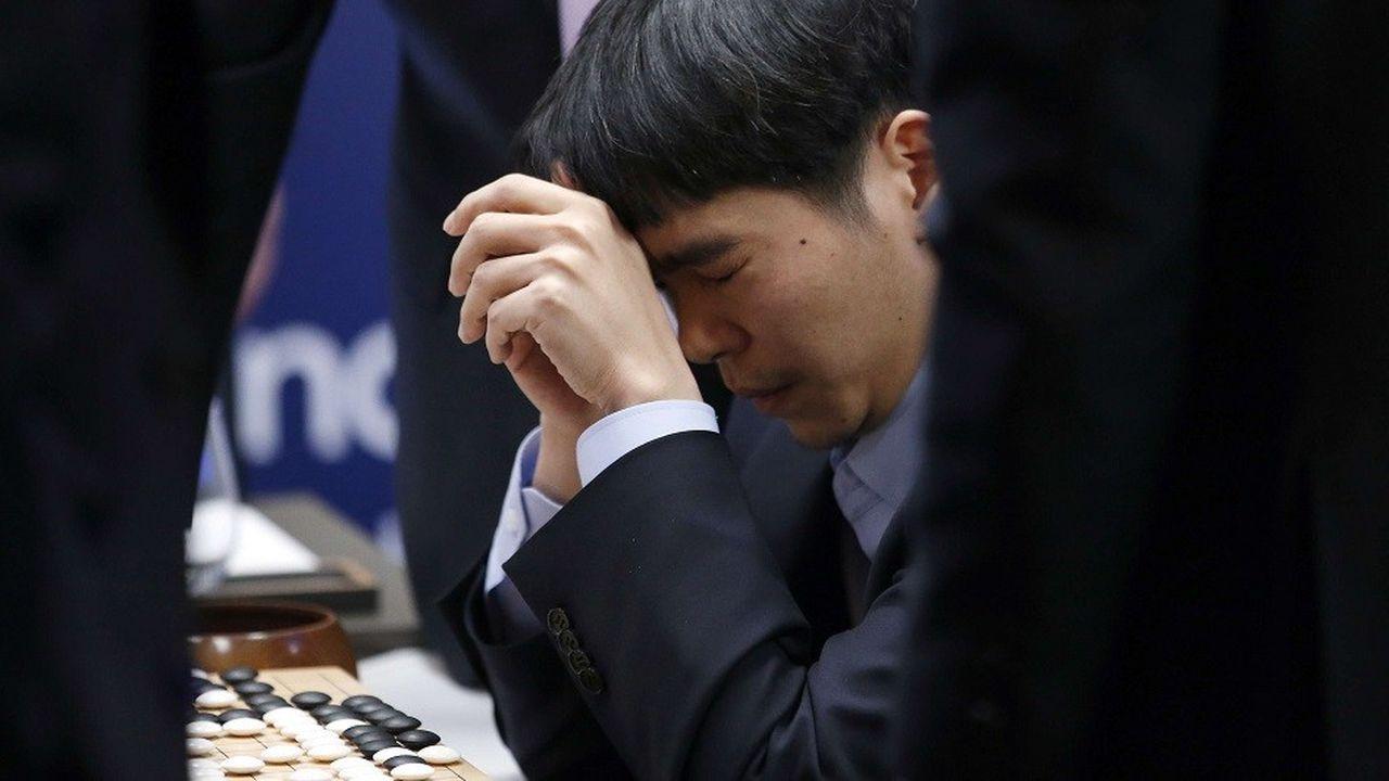 Le joueur sud-coréen Lee Sedol s'est incliné 1-4 face à AlphaGo.