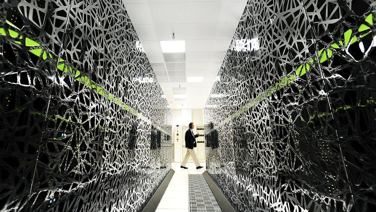 L'ordinateur Curie, dans le Très Grand Centre de Calcul du CEA, sera bientôt remplacé par son successeur Joliot-Curie.