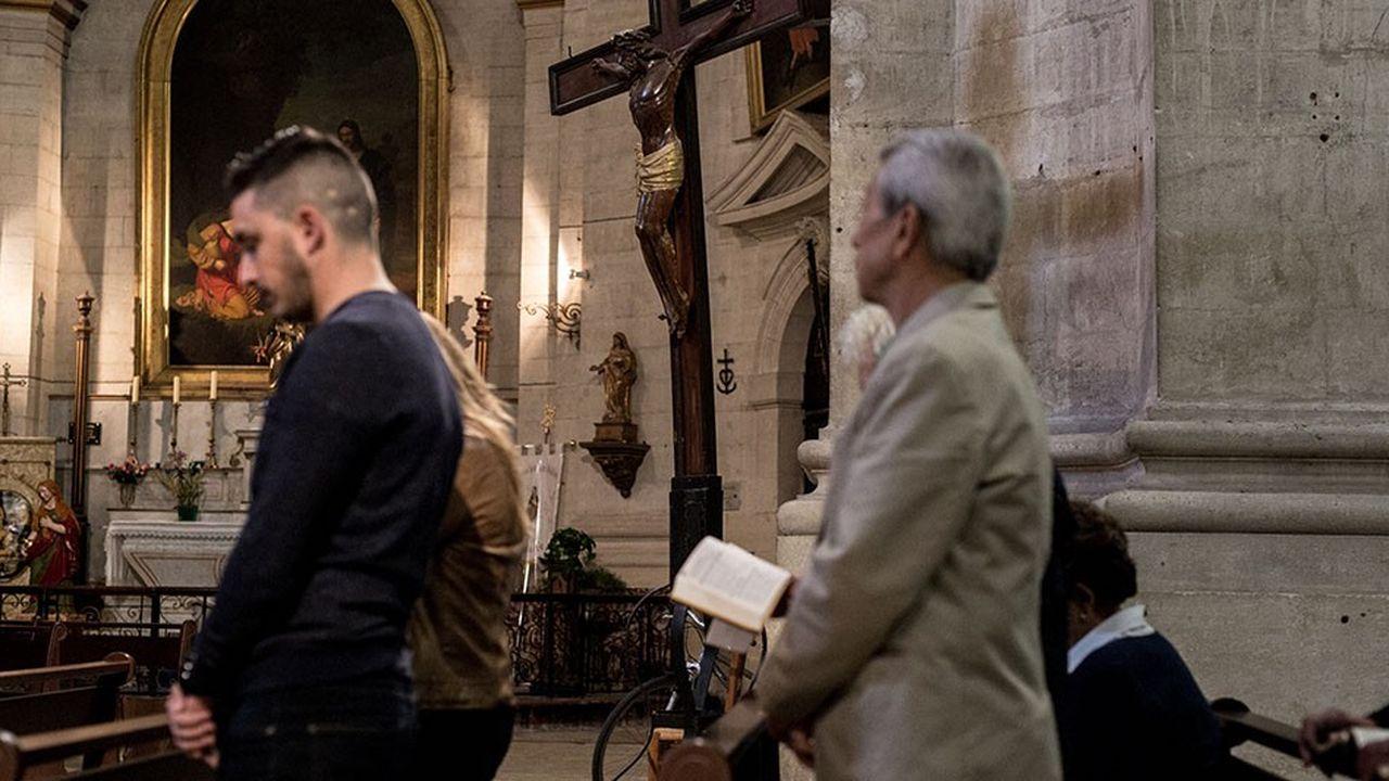 2169011_pourquoi-macron-veut-ramener-les-catholiques-dans-la-cite-web-tete-0301556163345.jpg