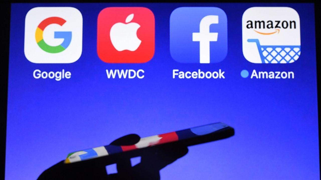 Amazon est loin derrière Facebook et Google avec un salaire médian de 28.446 dollars.