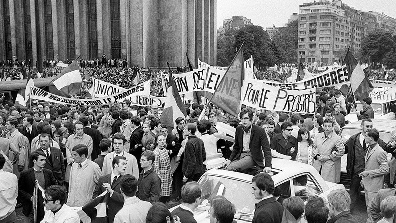 De Mai 68, on retient la hausse de 35 % du SMIG.