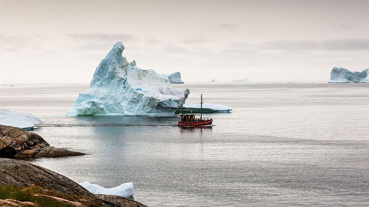 Les Emirats arabes unis sont en train de tester une solution qui consiste à remorquer des icebergs.
