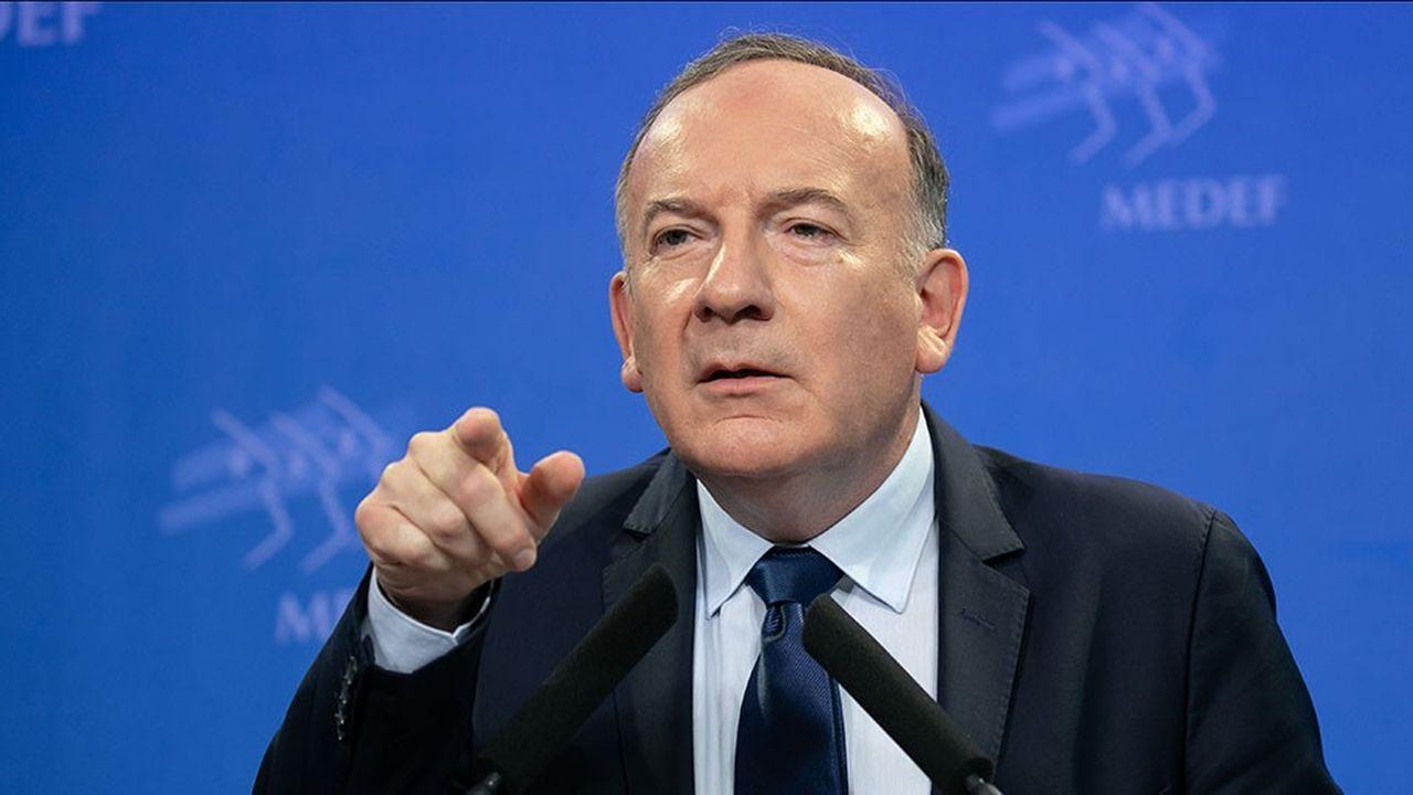 «Les Français ont perdu près de 8% de PIB par habitant en dix ans par rapport à leur voisin allemand», souligne le président du Medef, Pierre Gattaz.