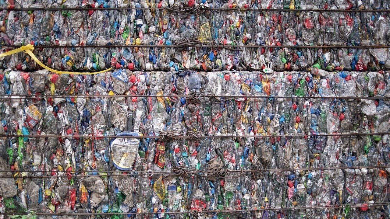 Plus de 300millions de tonnes de plastique sont produites chaque année, dont la moitié devient presque instantanément un déchet.