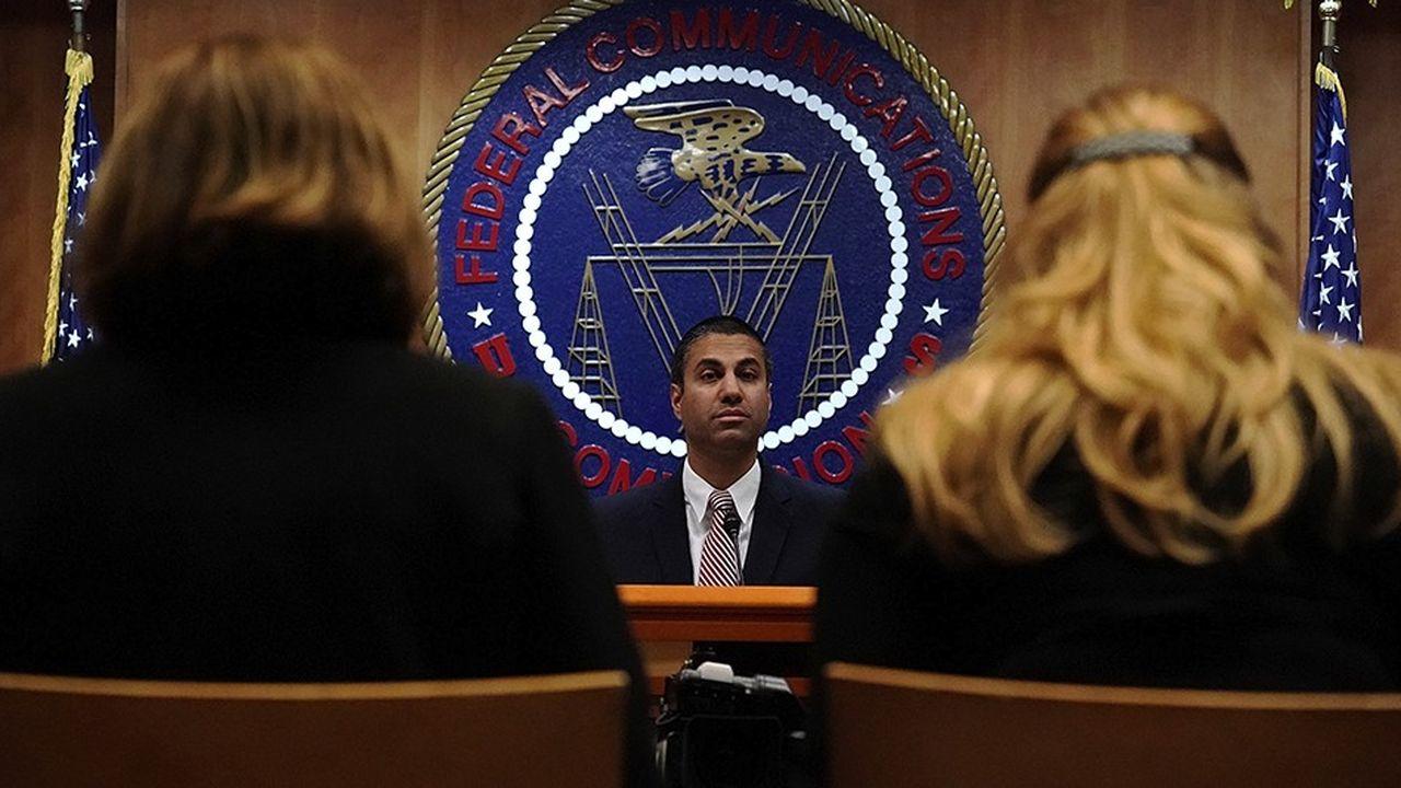Le président de la FCC, Ajit Pai, a fait voter la fin de la neutralité du Net, pour donner plus de moyens aux fournisseurs d'accès à Internet pour entretenir le réseau.