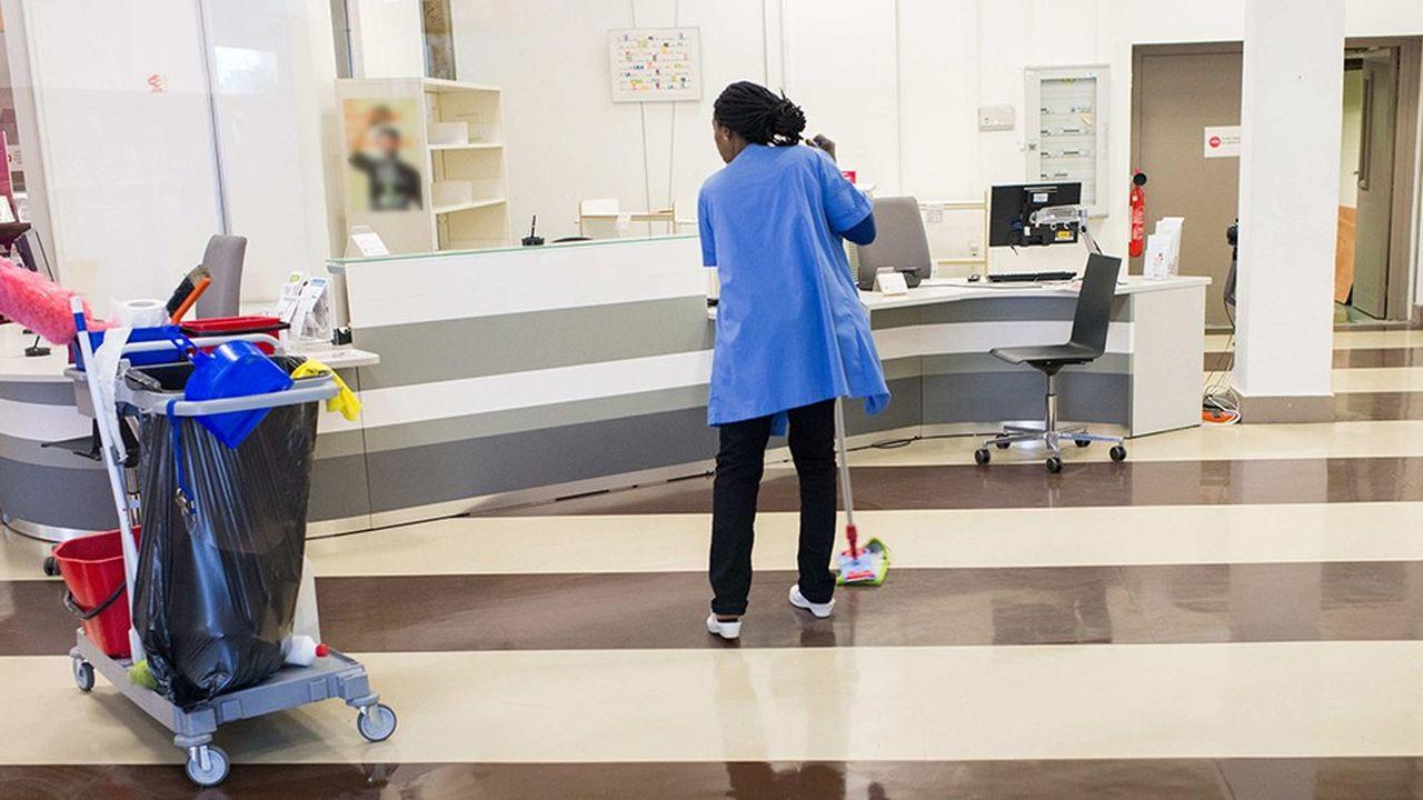 Le secteur du nettoyage est l'un de ceux qui concentrent le plus de CDD courts, selon le ministère du Travail.