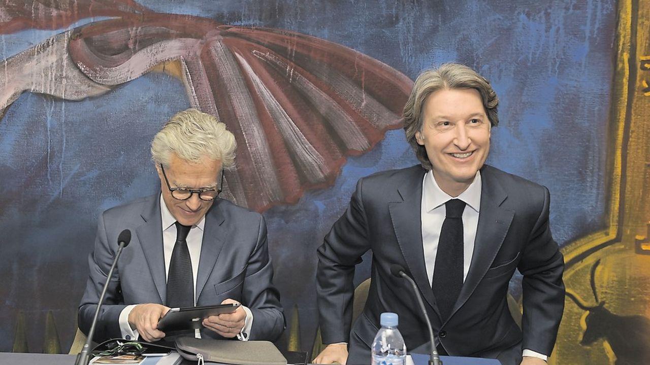 Jean-Francois Decaux et Jean-Charles Decaux lors de la présentation à Neuilly-sur-Seine des résultats de JCDecaux, le 8mars 2018.