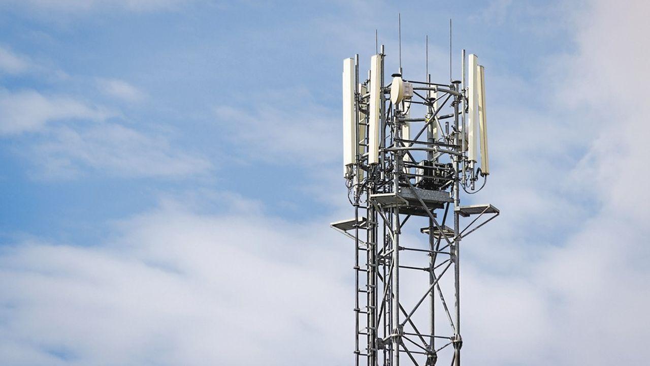 Signé le 14janvier 2018 entre le gouvernement, l'Arcep et les opérateurs, l'accord «New Deal» vise à généraliser la couverture mobile en 4G. Les quatre opérateurs se sont chacun engagés à couvrir 5.000 nouvelles zones.