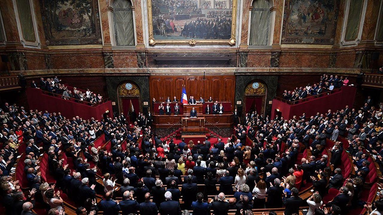 2190827_congres-de-versailles-qui-boycotte-le-discours-de-macron-web-tete-0301946624859.jpg