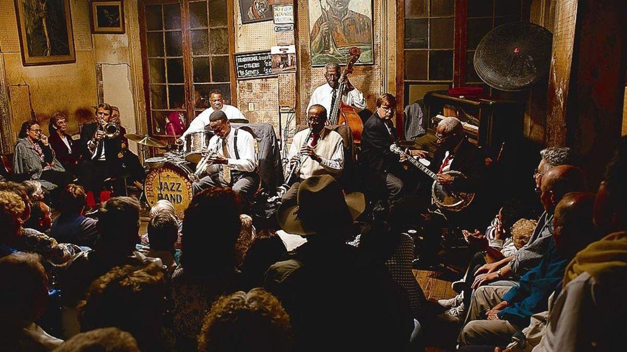 Preservation Hall, un club mythique où l'on joue un jazz très orléanais, par session de 45minutes.