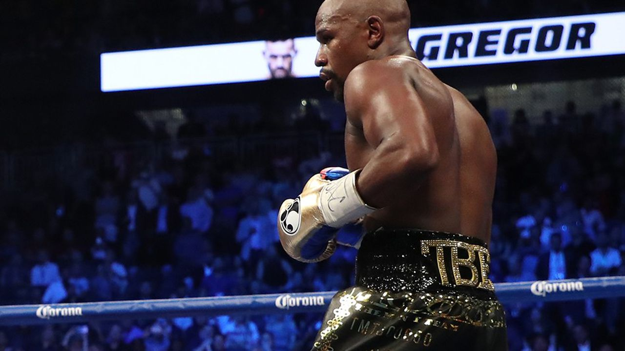 2192680_floyd-mayweather-le-ring-version-bling-bling-web-tete-0301984195013.jpg
