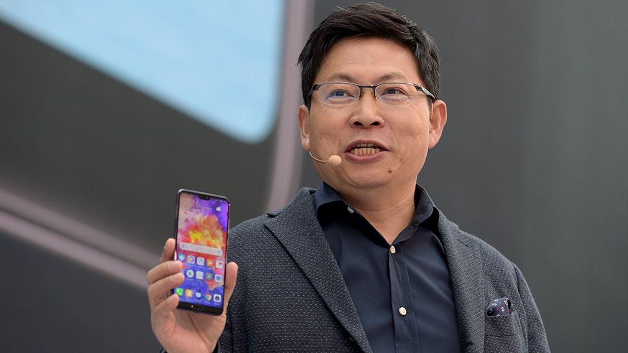 Fin mars, le responsable de la division grand public de Huawei Richard Yu a dévoilé le dernier modèle de la marque, le P20, lors d'une cérémonie organisée à Paris.