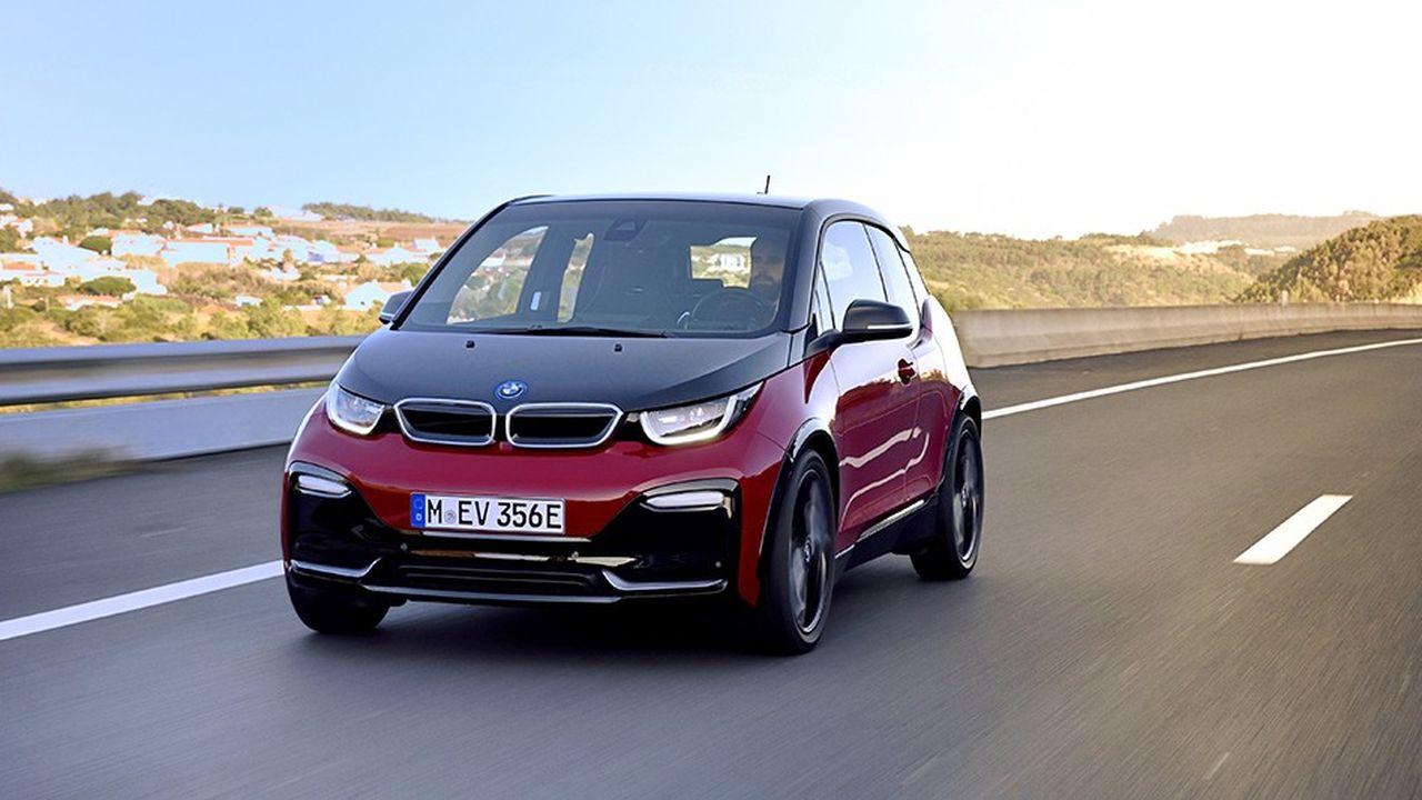 Les aficionados de l'électrique apprécient le confort de conduite, souple et silencieux.