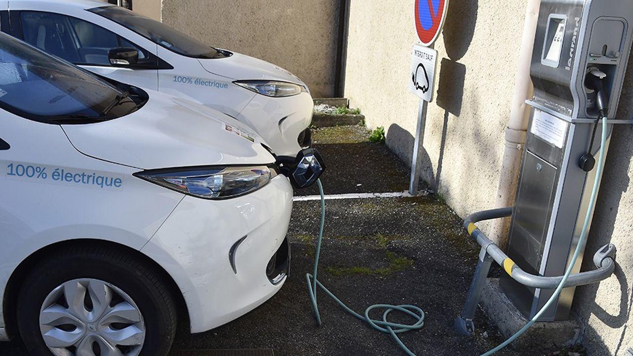 L'offre insuffisante de véhicules électriques a fait reculer nombre d'acheteurs potentiels.