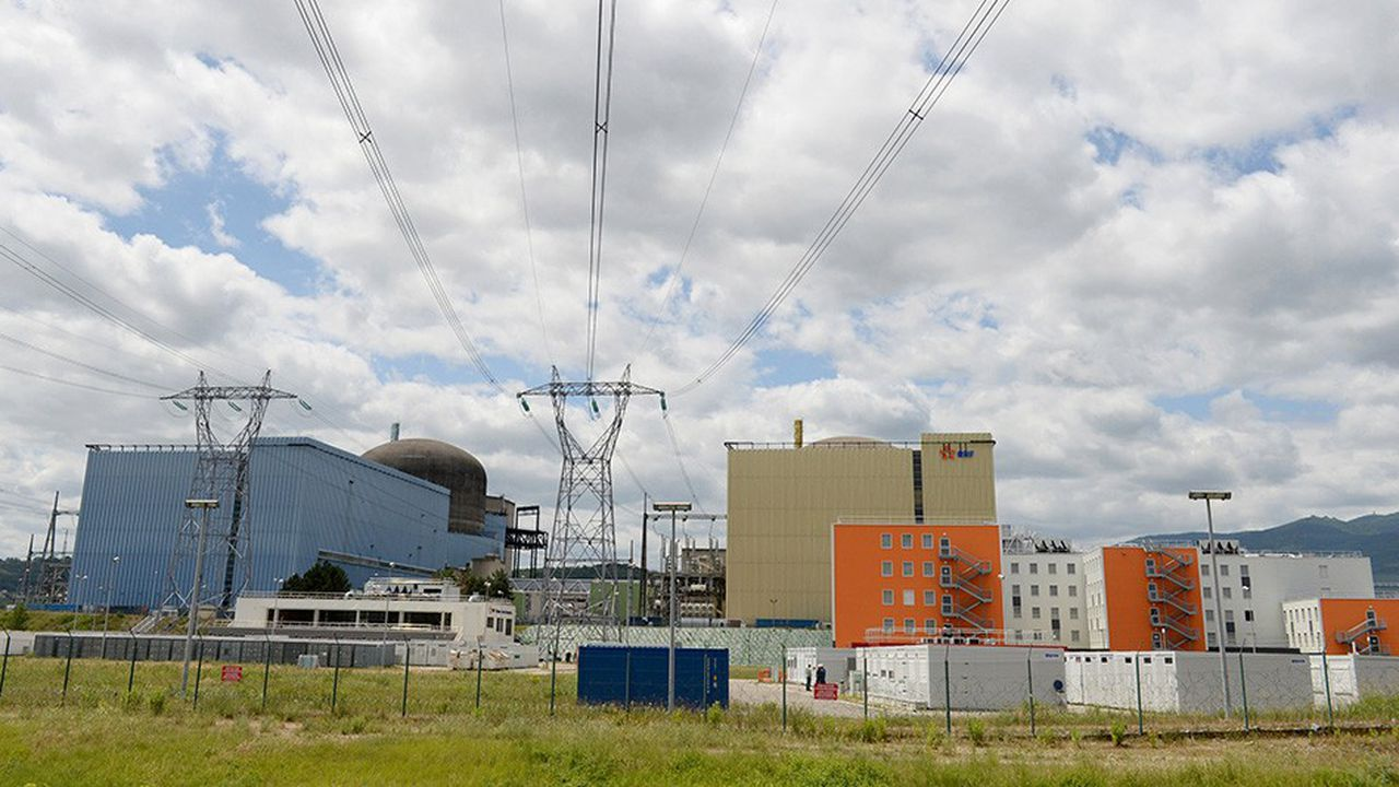 Jeudi, EDF a arrêté ou réduit la puissance de plusieurs réacteurs dans les centrales de Saint-Alban (photo) et du Bugey, toutes deux au bord du Rhône.