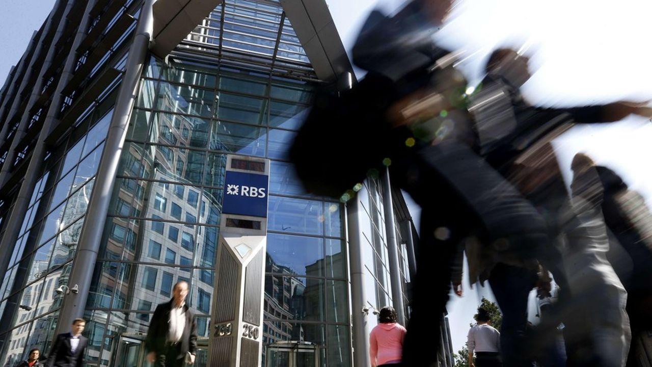 Le titre RBS gagnait3,4% dans les premiers échanges boursiers vendredi matin, établit dès lors à 258,6 pence.