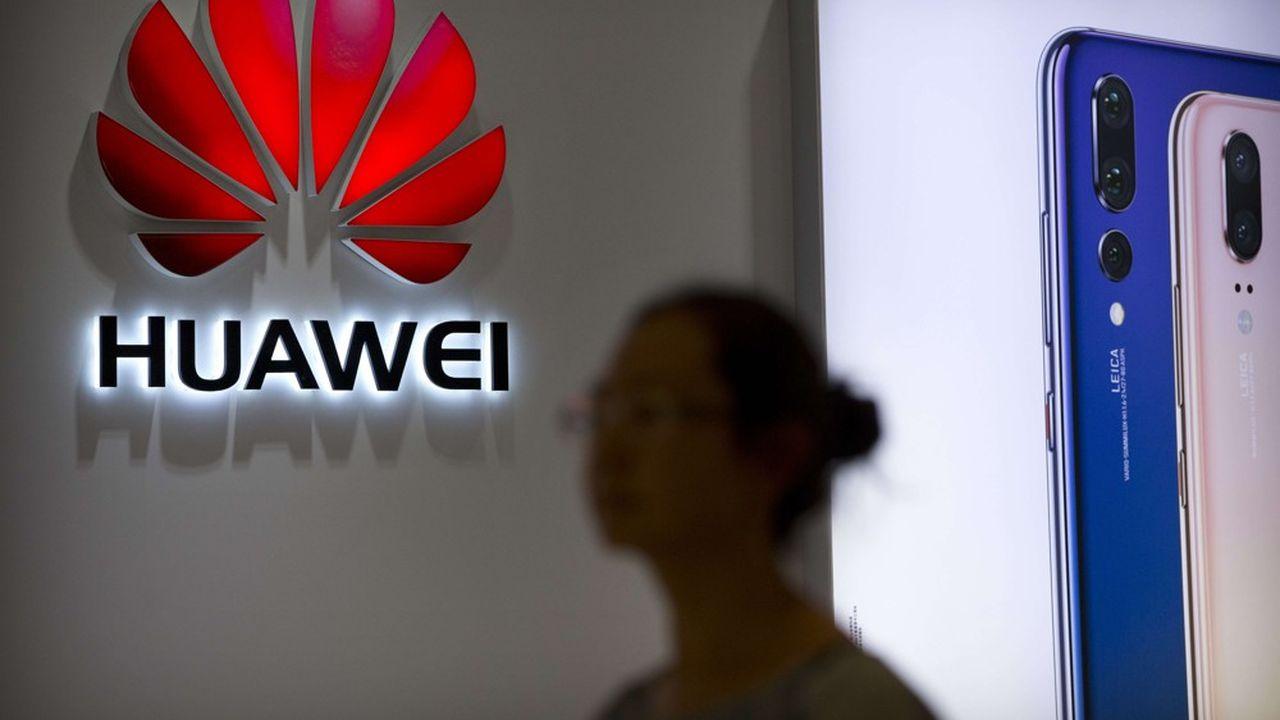 Le constructeur chinois voudrait être en mesure de présenter le premier smartphone pliable au monde