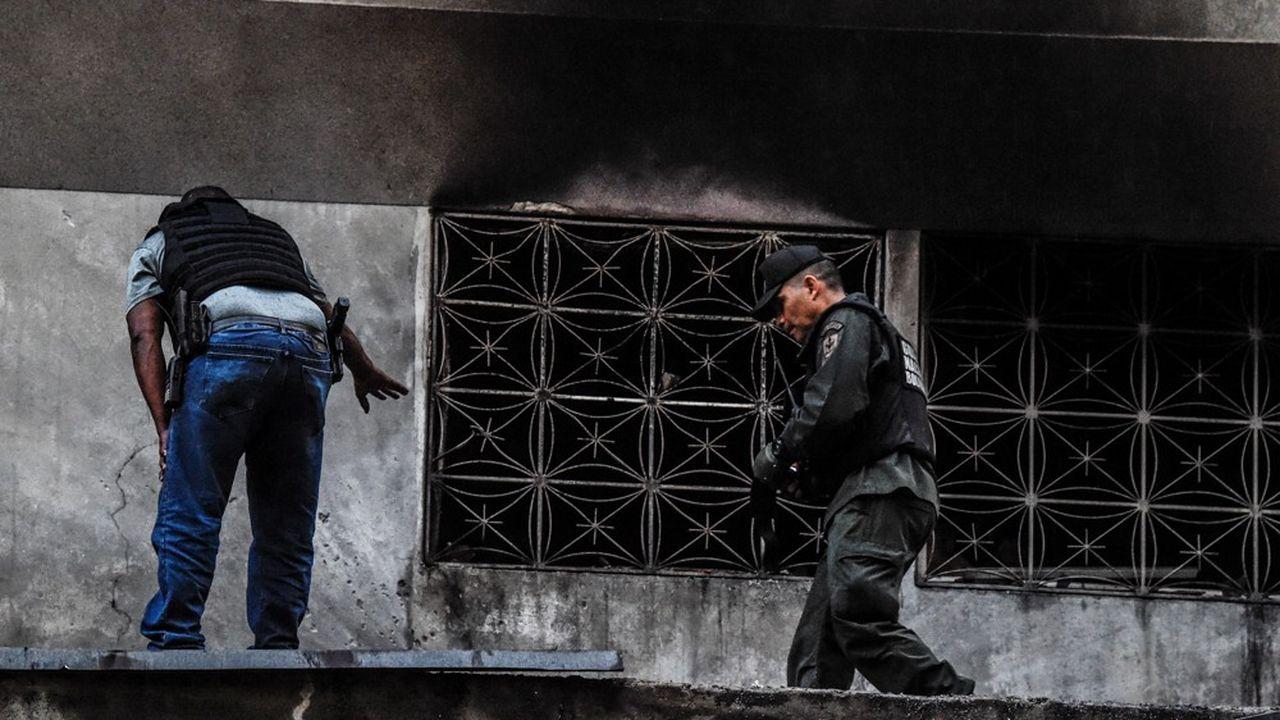 2196298_venezuela-maduro-affirme-avoir-echappe-a-un-attentat-web-tete-0302078154388.jpg