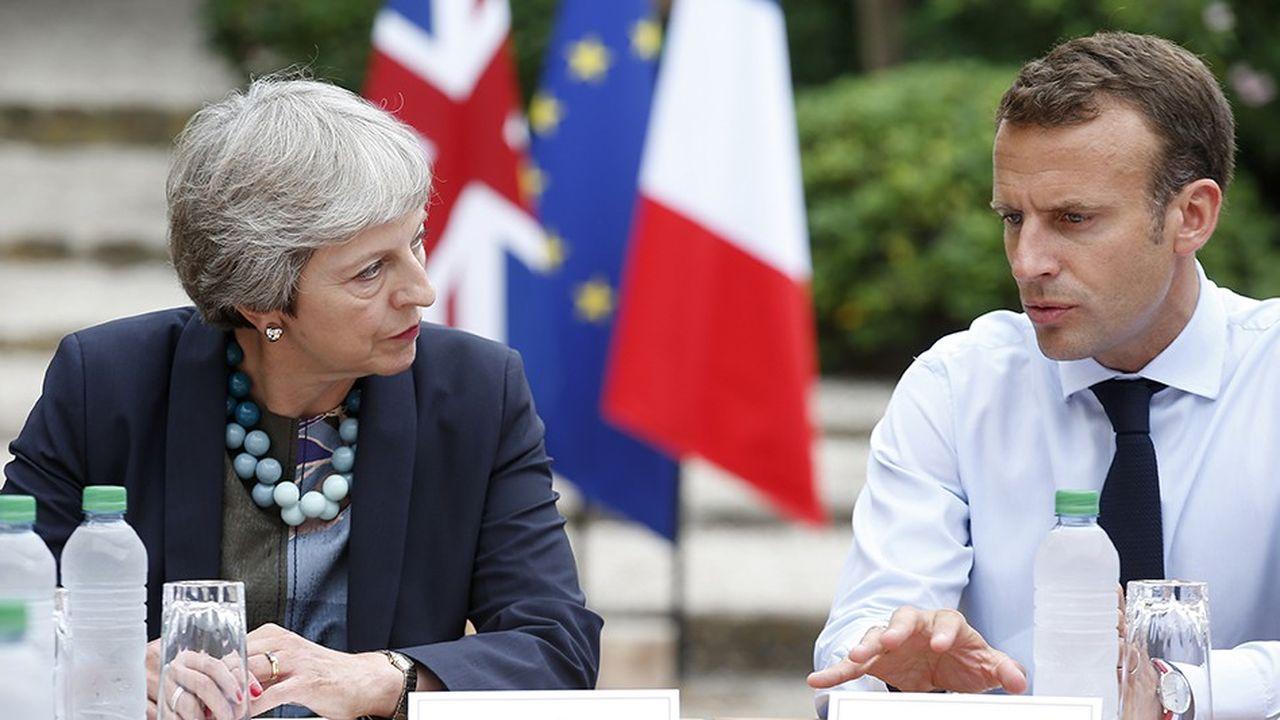 Le chef de l'Etat a reçu à dîner à Brégançon dans le Var, Theresa May, Première ministre britannique