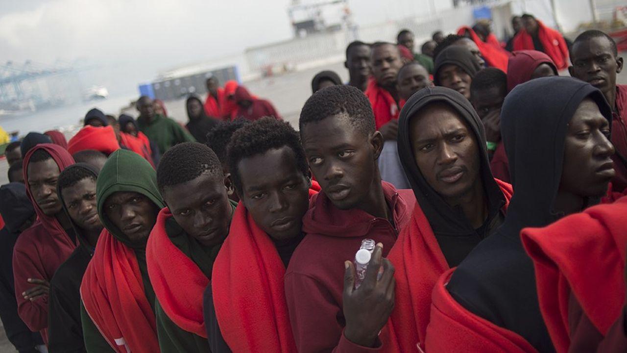 2196543_migrants-laccord-europeen-toujours-en-suspens-web-tete-0302080833149.jpg
