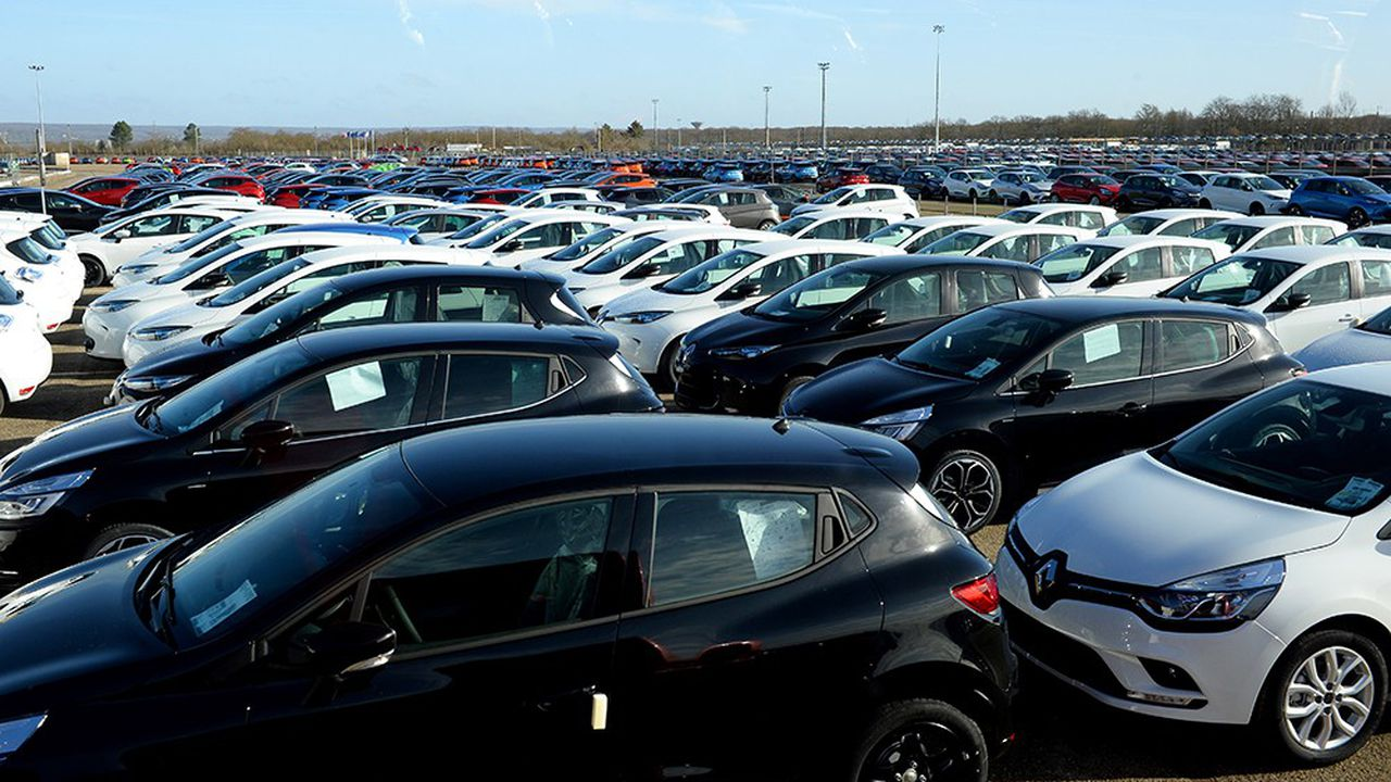 Chez Renault et PSA, le made in France n'est plus majoritaire. Sur un an à la fin juin, le solde commercial de la construction automobile en France était déficitaire de 9,1milliards d'euros, selon les Douanes.