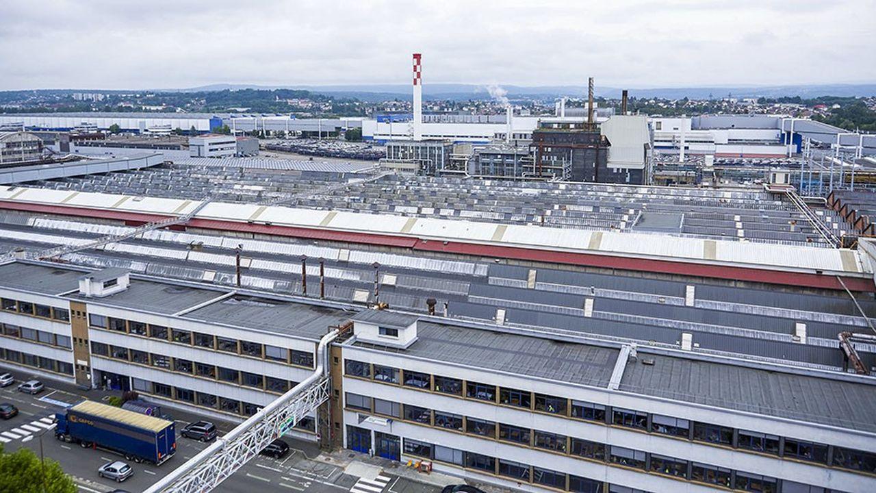 La superficie de l'usine de Sochaux doit être divisée par deux.