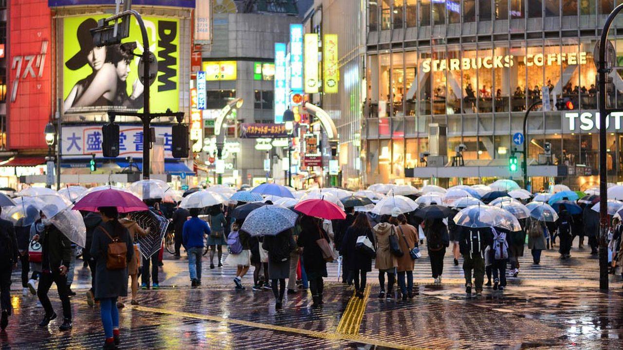 Le Japon renoue avec la croissance, mais les économistes craignent la perspective d'un conflit commercial avec les Etats-Unis.