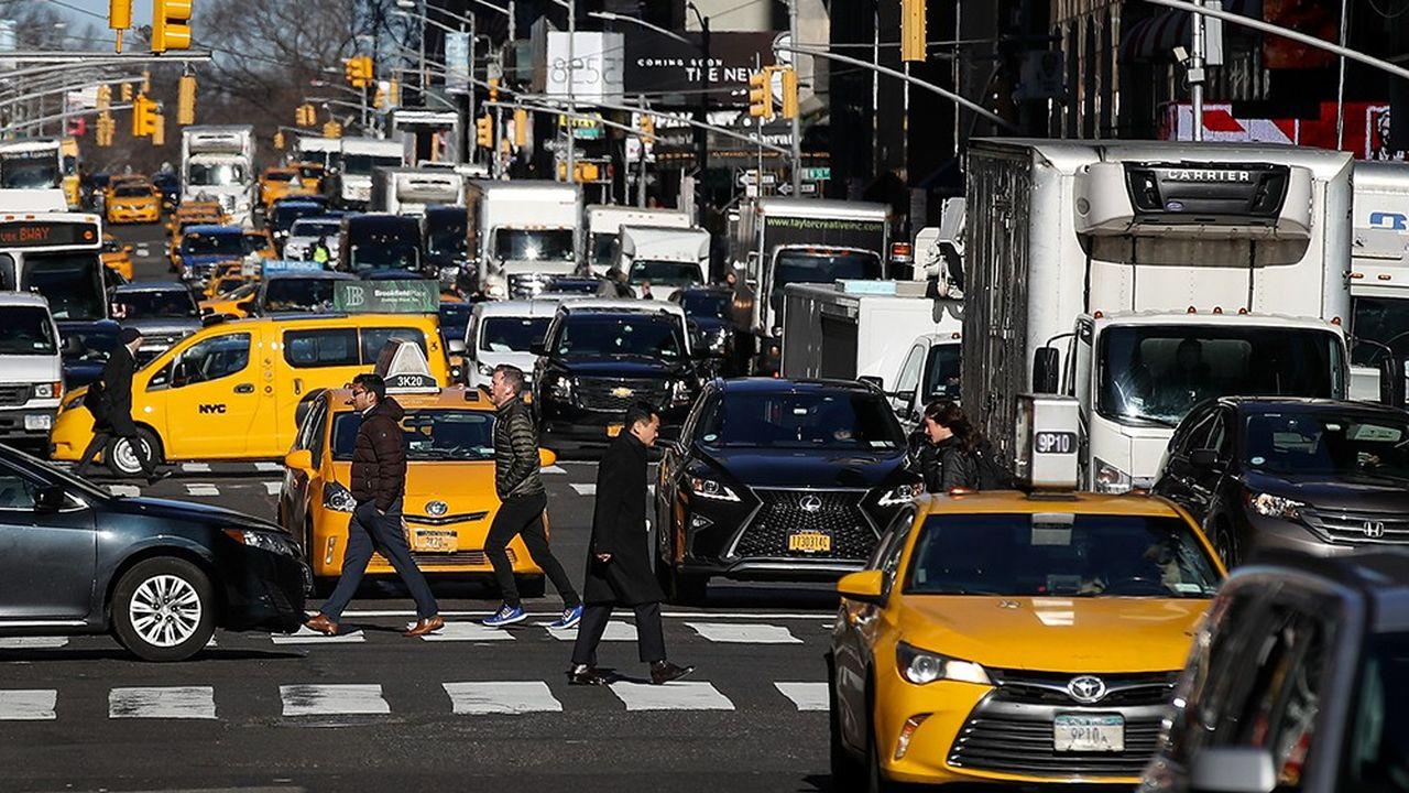 Impossible de savoir si les nouvelles règles adoptées par New York permettront de fluidifier la circulation dans Manhattan. Mais elles marquent une nouvelle étape dans la réponse des villes face à la croissance du transport à la demande.