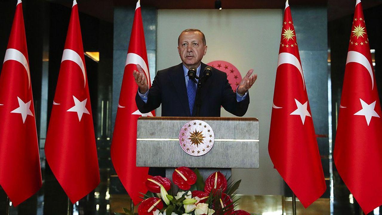 Recep Tayyip Erdogan critique à nouveau les Etats-Unis lundi à l'occasion de la 10e conférence des ambassadeurs à Ankara.