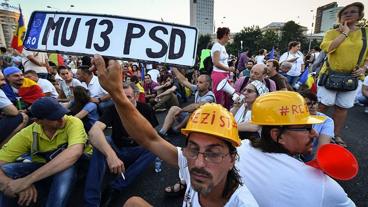 40.000 personnes ont défilé samedi devant les bureaux du gouvernement à Bucarest