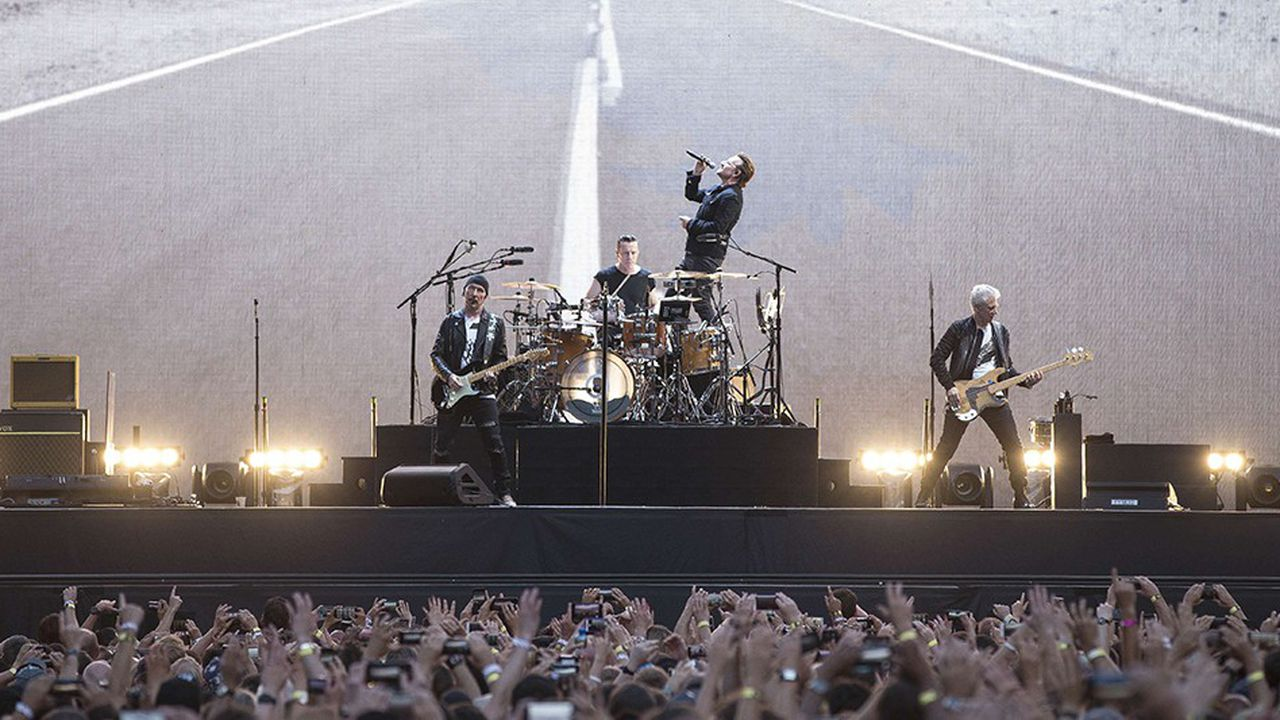 Le groupe U2, ici en concert au stade londonien de Twickenham, en2017, est celui qui a engrangé le plus de recettes au premier semestre de l'année.