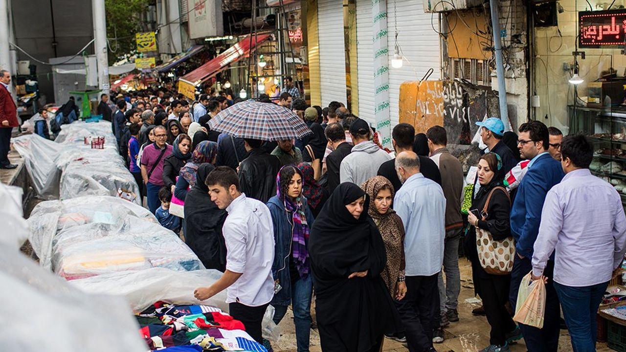 Un marché à Téhéran.L'administration américaine a activé, le 6 août, la phase 1 du rétablissement des sanctions contre l'Iran, suspendues en janvier 2016. La phase 2 doit suivre, à partir du 4 novembre prochain.