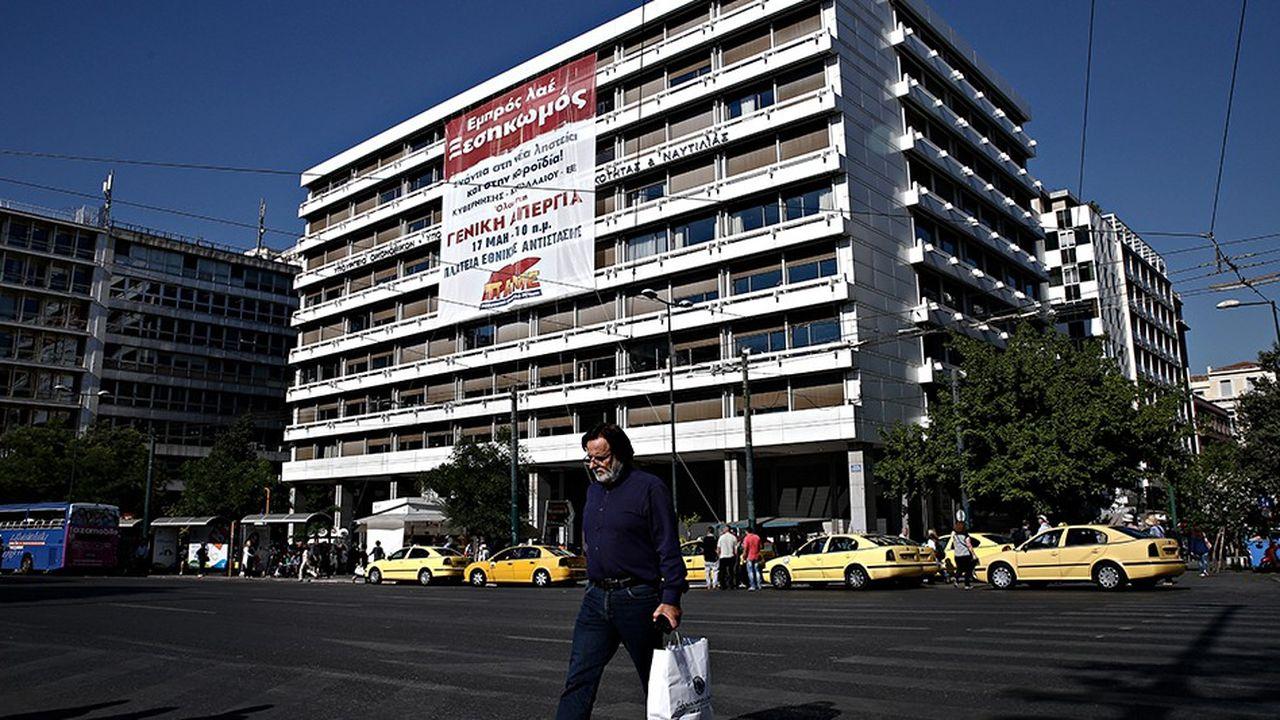 La place Syntagma à Athènes, domicile du Ministère grec des Finances, a été l'un des points principaux de ralliement pour les manifestants contre la politique d'austérité.