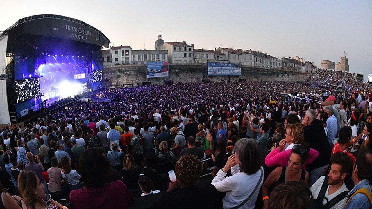 Depuis soixante ans, l'Etat prône la décentralisation culturelle en incitant les collectivités territoriales à investir et en aidant à l'émergence de nouveaux acteurs culturels en région (ici, les Francofolies de La Rochelle).