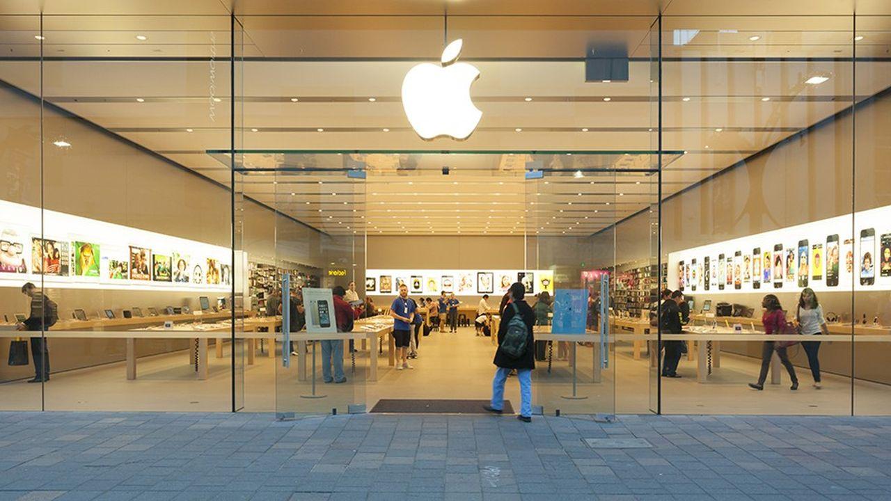 Apple a annoncé un plan de rachats d'action portant sur 100milliards de dollars. Il va utiliser une partie de sa trésorerie logée à l'étranger