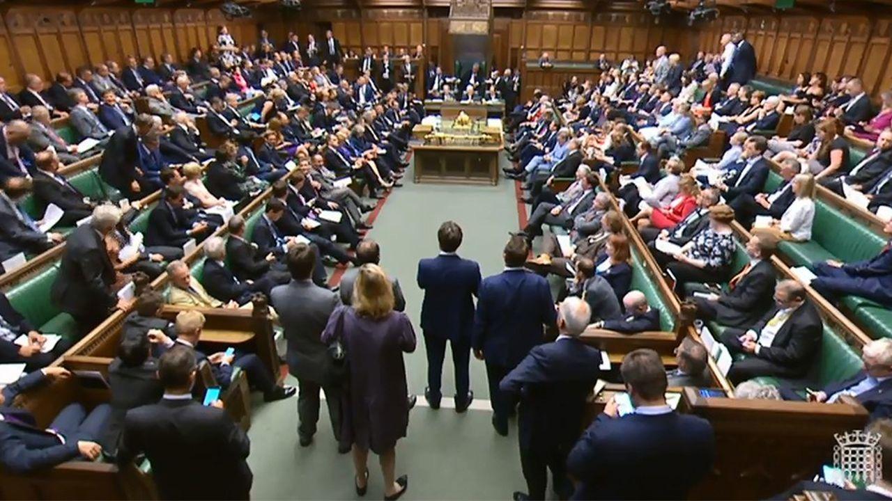 la procédure de retrait du Royaume-Uni de l'Union européenne a été entamée le 29mars 2017 par la notification de l'article50 du traité sur l'Union européenne.