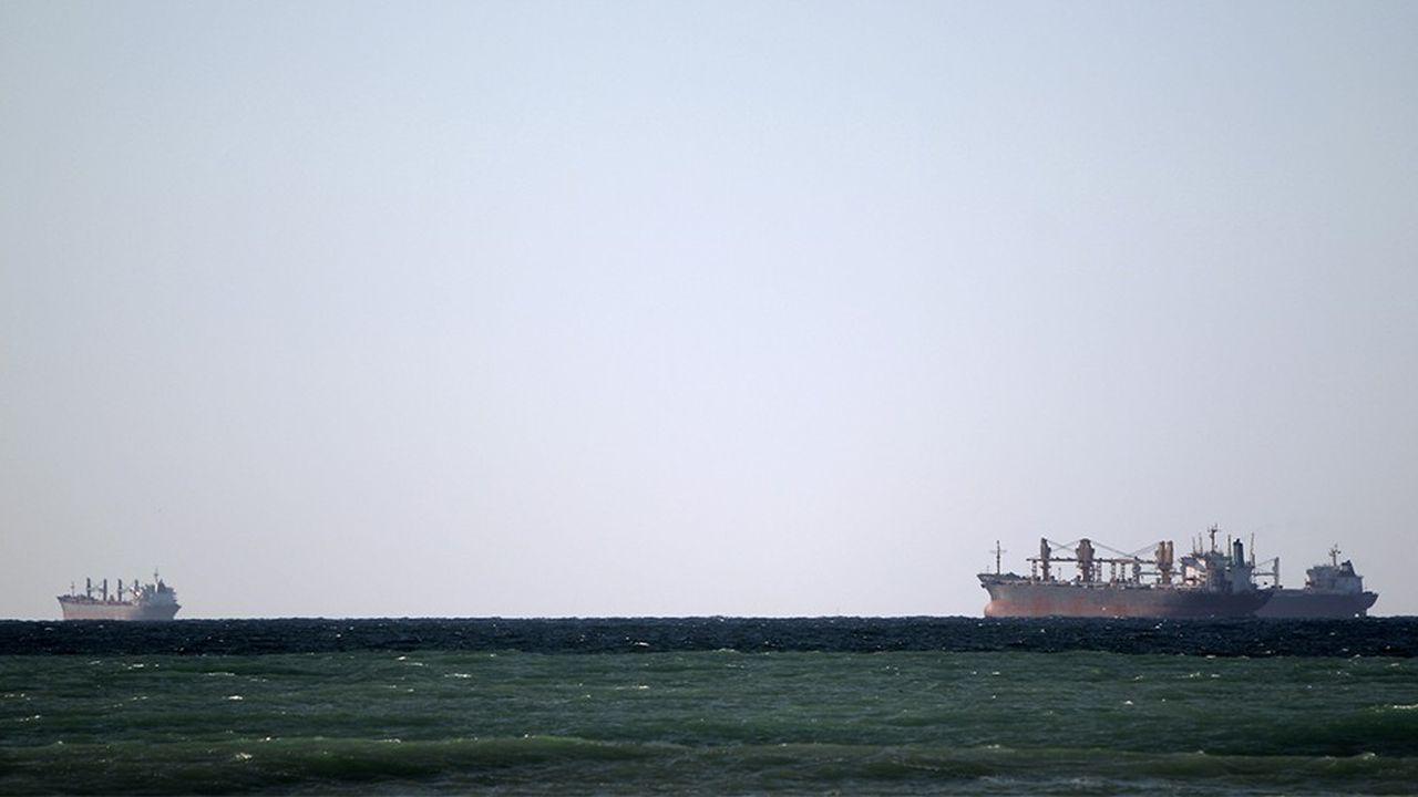 Quand une centaine de tankers sortait des ports iraniens au printemps , ils n'étaient plus que 66 en juillet, selon les données de Kpler.