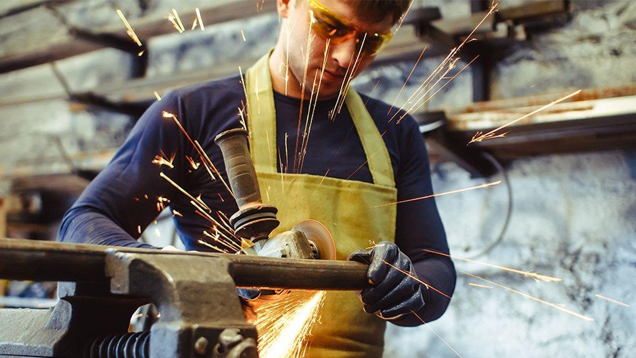 Le Volontariat Industriel constituerait une formidable opportunité pour attirer toute une classe d'âge (18-28 ans) vers les différents métiers de l'industrie, et particulièrement vers les PME.