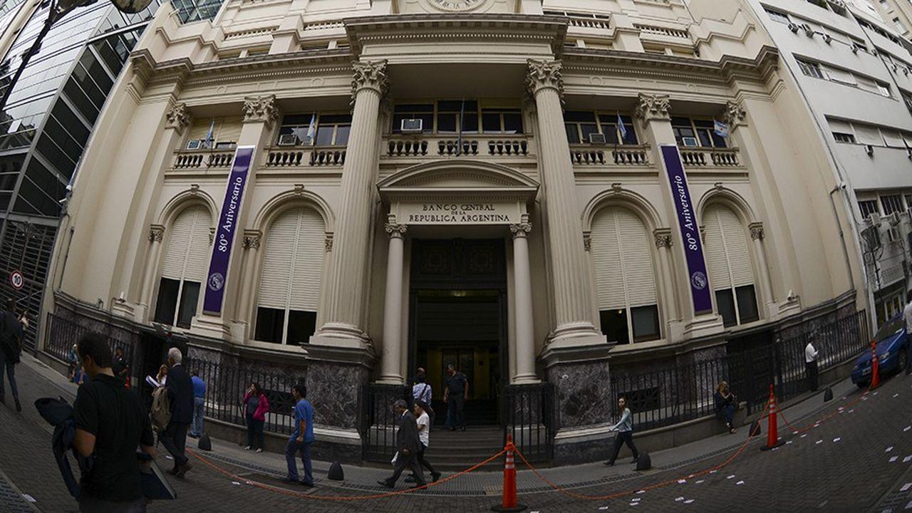 La banque centrale d'Argentine doit faire face à une chute du peso, de 40% cette année.