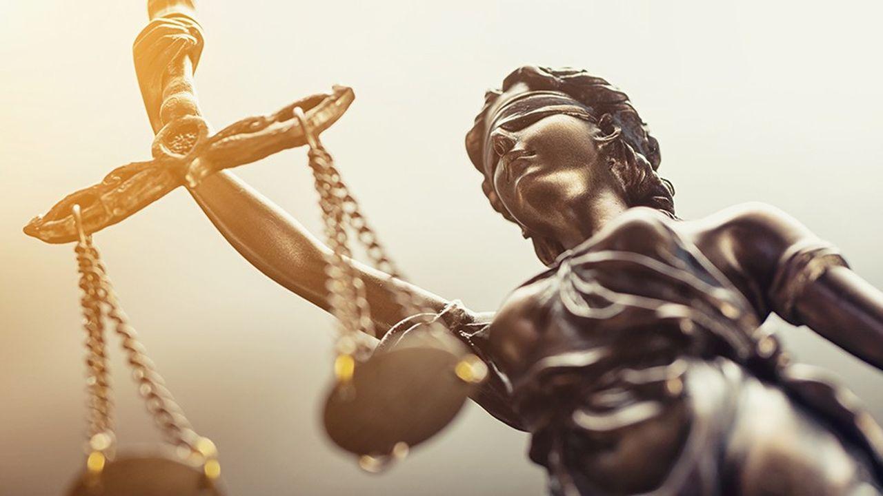 Aujourd'hui, dans les tribunaux de France, la balance de la justice est déséquilibrée entre l'accusation et la défense. Pour Henri Carpentier, avocat, la réforme de la justice va aggraver ce déséquilibre.