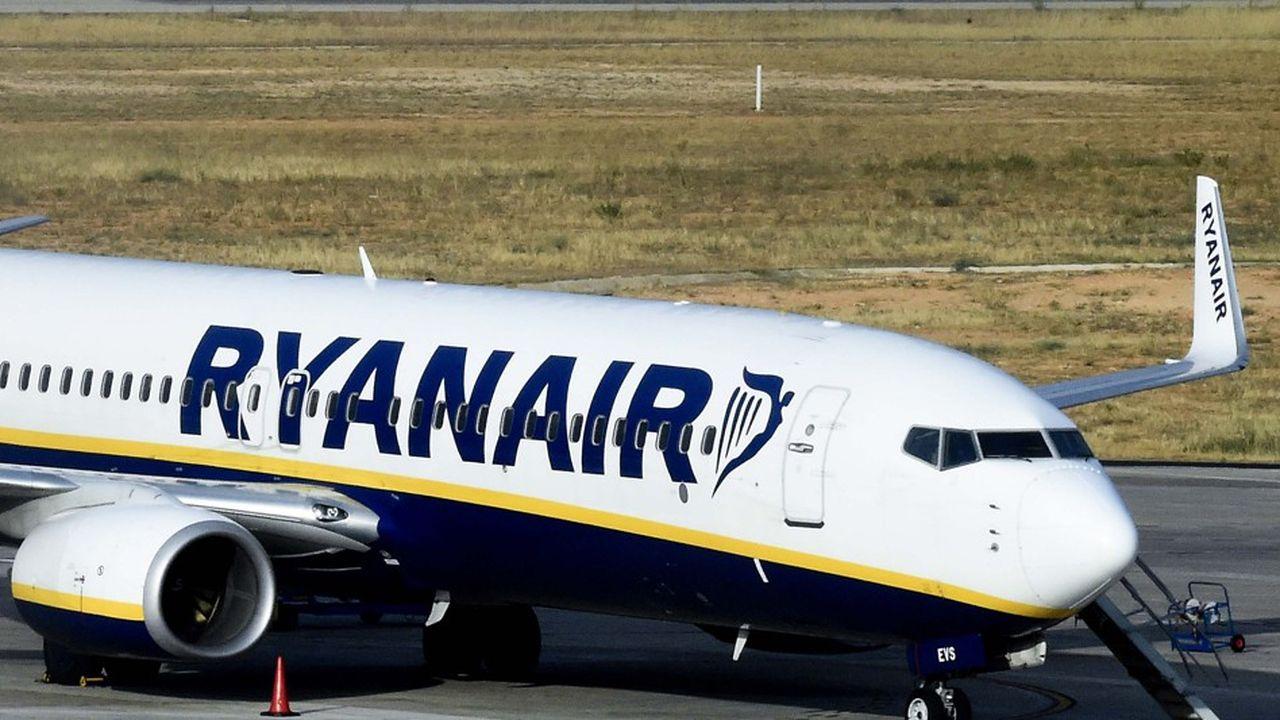 Les passagers de Ryanair souhaitant embarquer avec une valise allant jusqu'à 10kg devront désormais payer