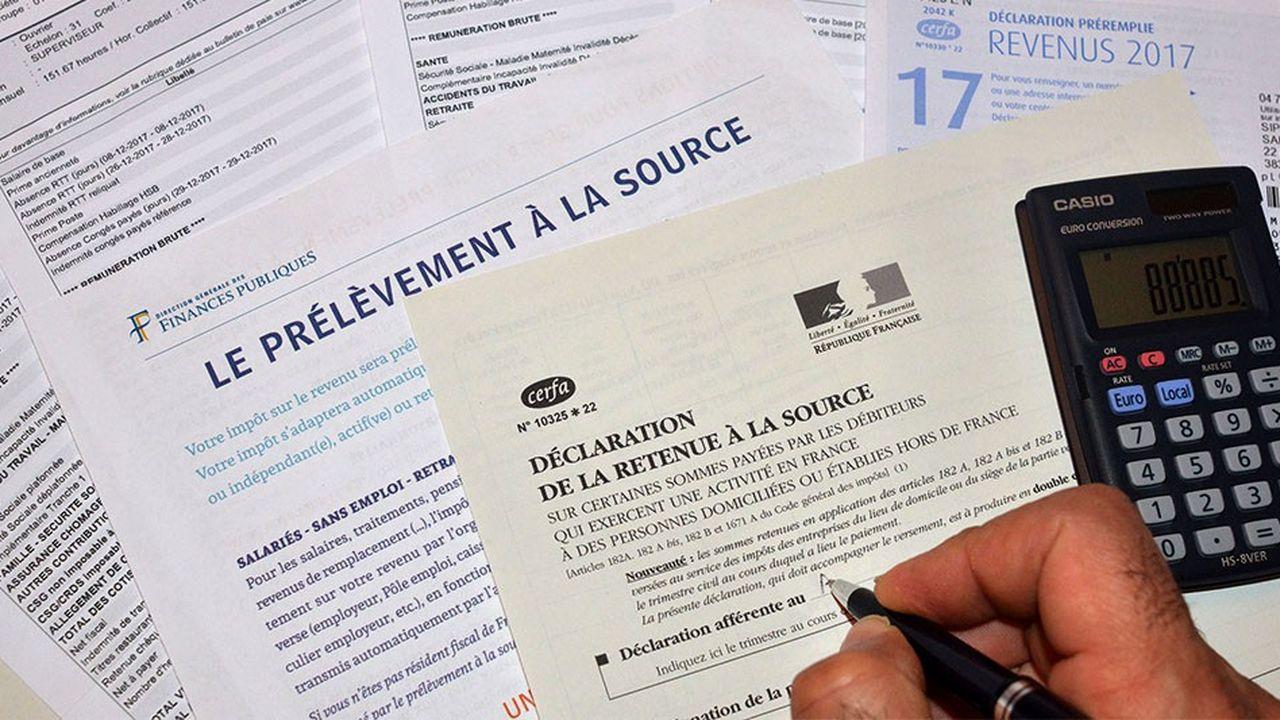 Emmanuel Macron, inquiet des risques de bugs administratifs et techniques, serait prêt à repousser la mesure d'un an.