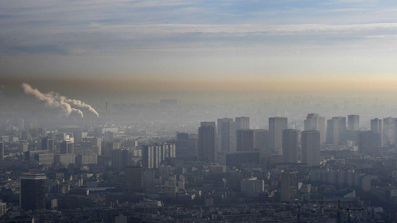 Des épisodes de forte pollution de l'air sont régulièrement enregistrés à Paris.