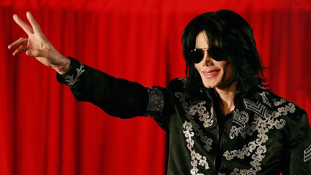 La sortie de l'album posthume de Michael Jackson «Michael» a obtenu un succès plutôt mitigé, mais s'est surtout accompagnée d'une série de critiques à l'encontre de la maison de disques Sony.