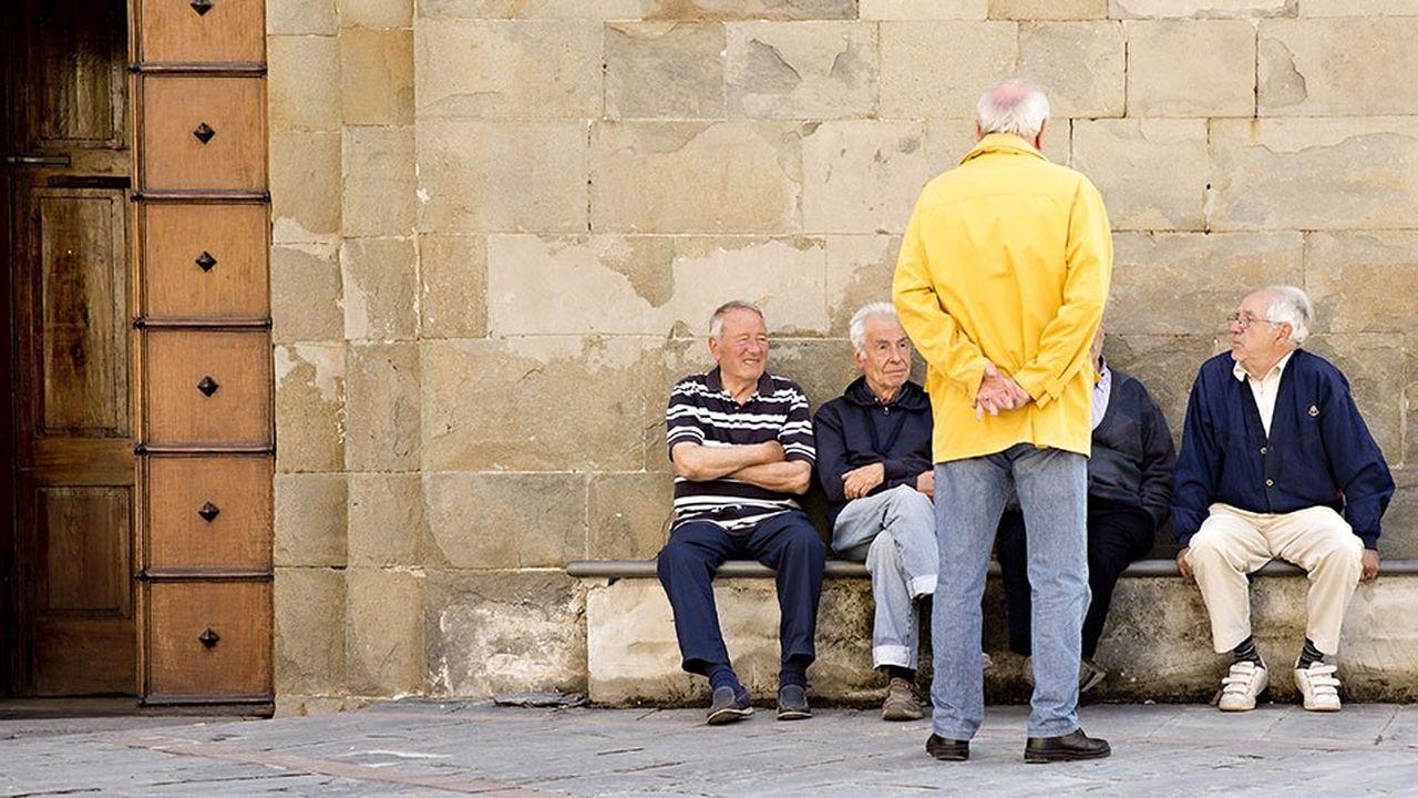 Le maire de Bari, dans les Pouilles en Italie, propose aux personnes âgées qui s'intéressent à l'avancement des chantiers de la ville d'en devenir les «sentinelles».
